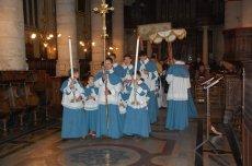 Procession du Saint-Sacrement depuis le reposoir jusqu'au Maître-Autel